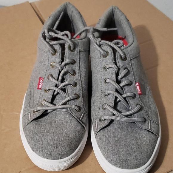 Levi's tennis shoes